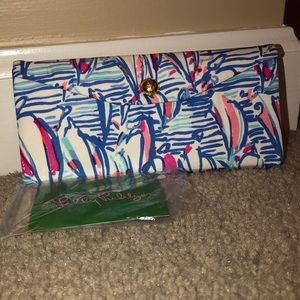 NWT! LILLY PULITZER sunglass case!